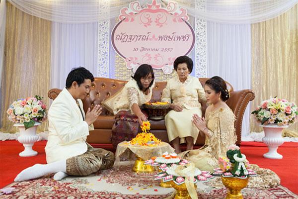 พิธีแต่งงานแบบไทย-02