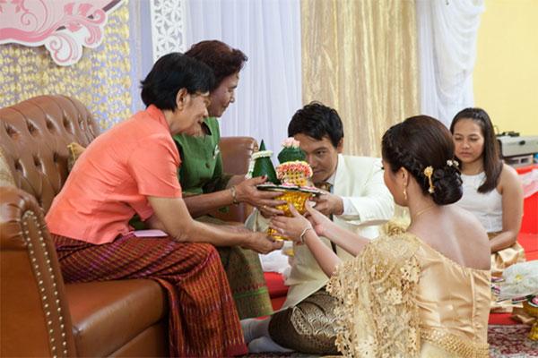 พิธีแต่งงานแบบไทย-04